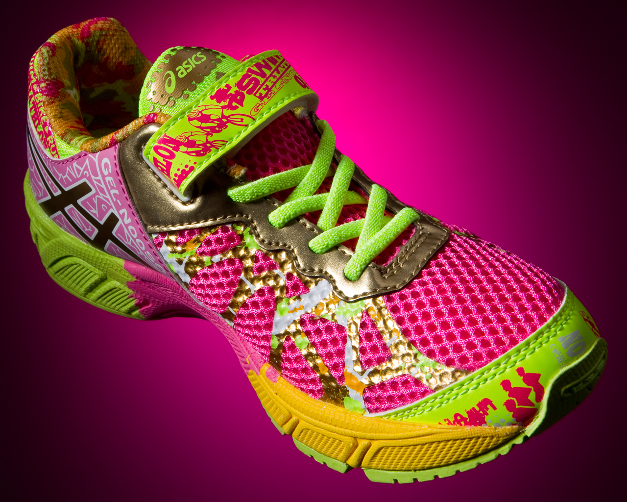 Asics Gel Noosa Pink Ribbon shoe